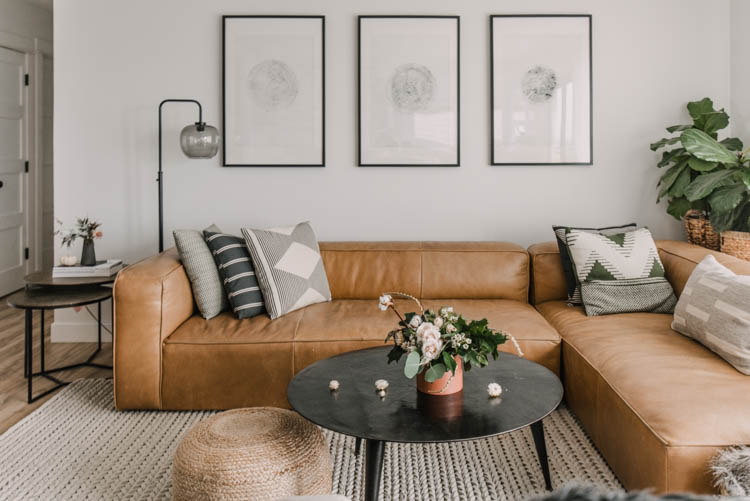 Simple touches for fall decor in this autumn home tour