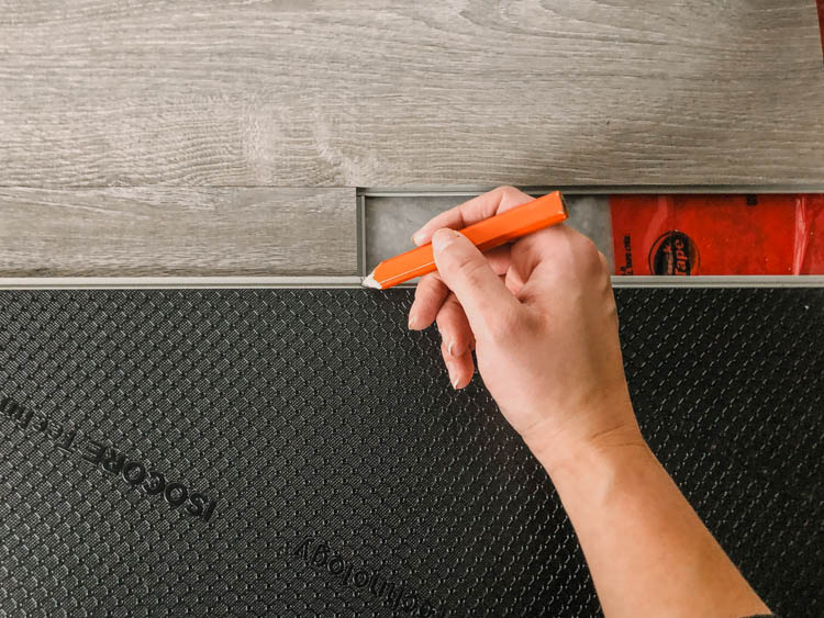 How to measure flooring cuts without a measuring tape