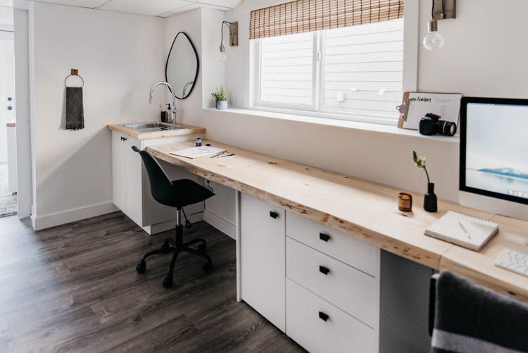 DIY wall to wall live edge desk... plus a sink! Totally built in desk look