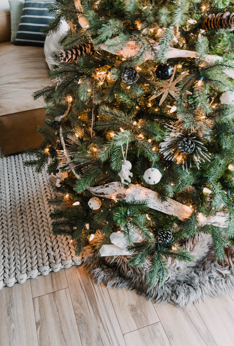 Love the idea of a sheepskin rug instead of a tree skirt