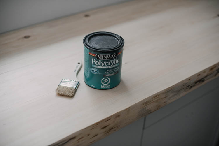 Water based clear coat to seal wood without yellowing