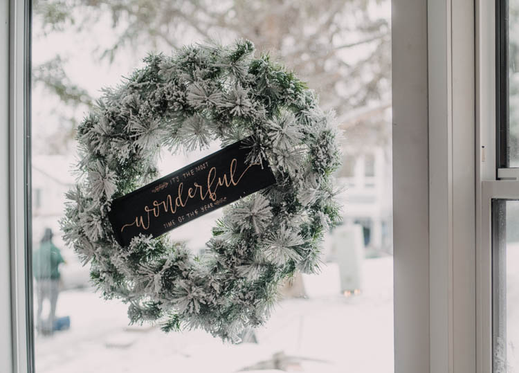 DIY wood wreath sign for christmas