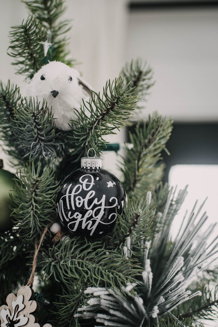 Hand lettered ornaments make for such pretty christmas decorations!