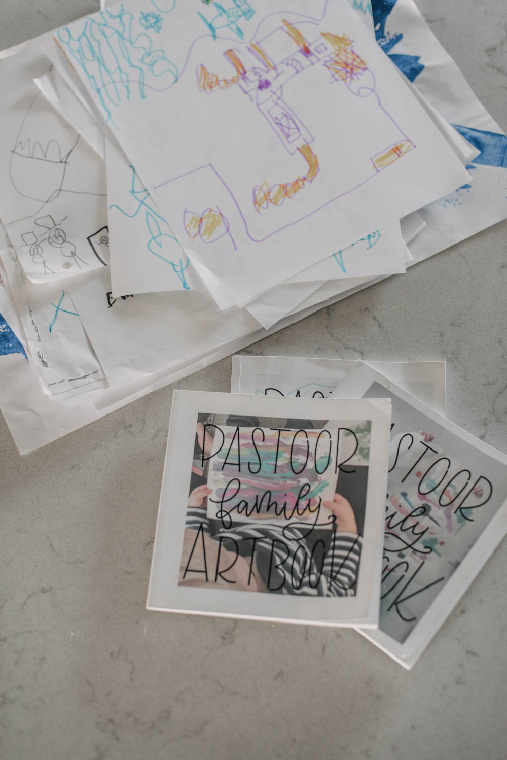 How to make your own kids art book - quick and easy system to manage kids artwork