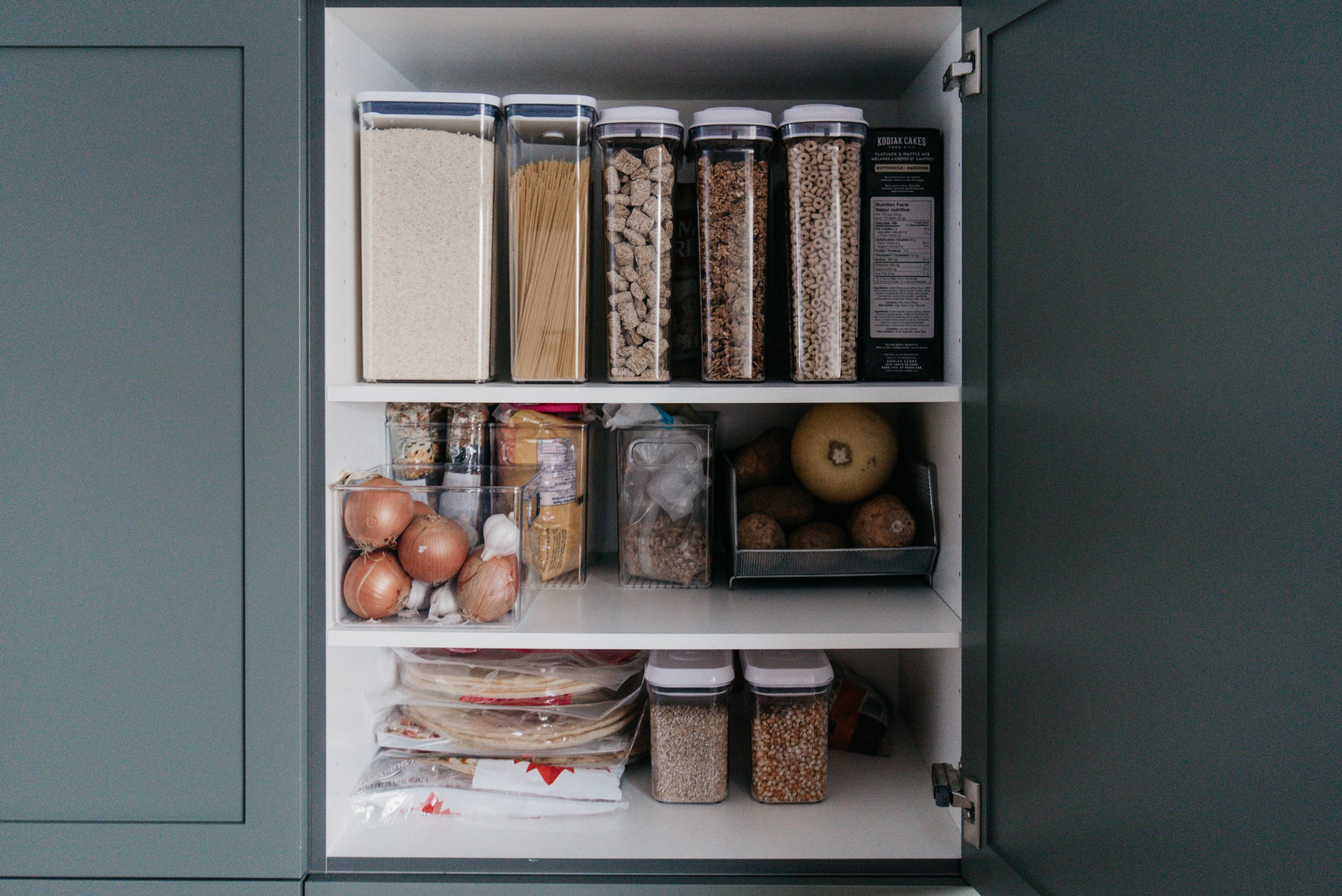 Pantry organization ideas (and kitchen organizing ideas for every cupboard!)