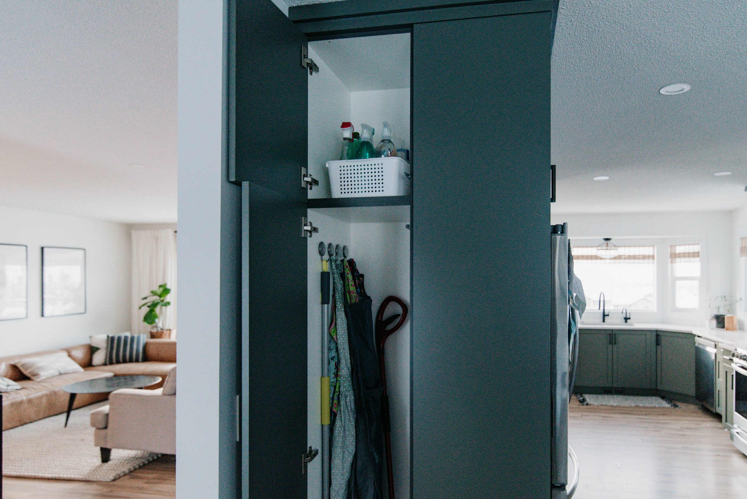 Cleaning cupboard organization ideas