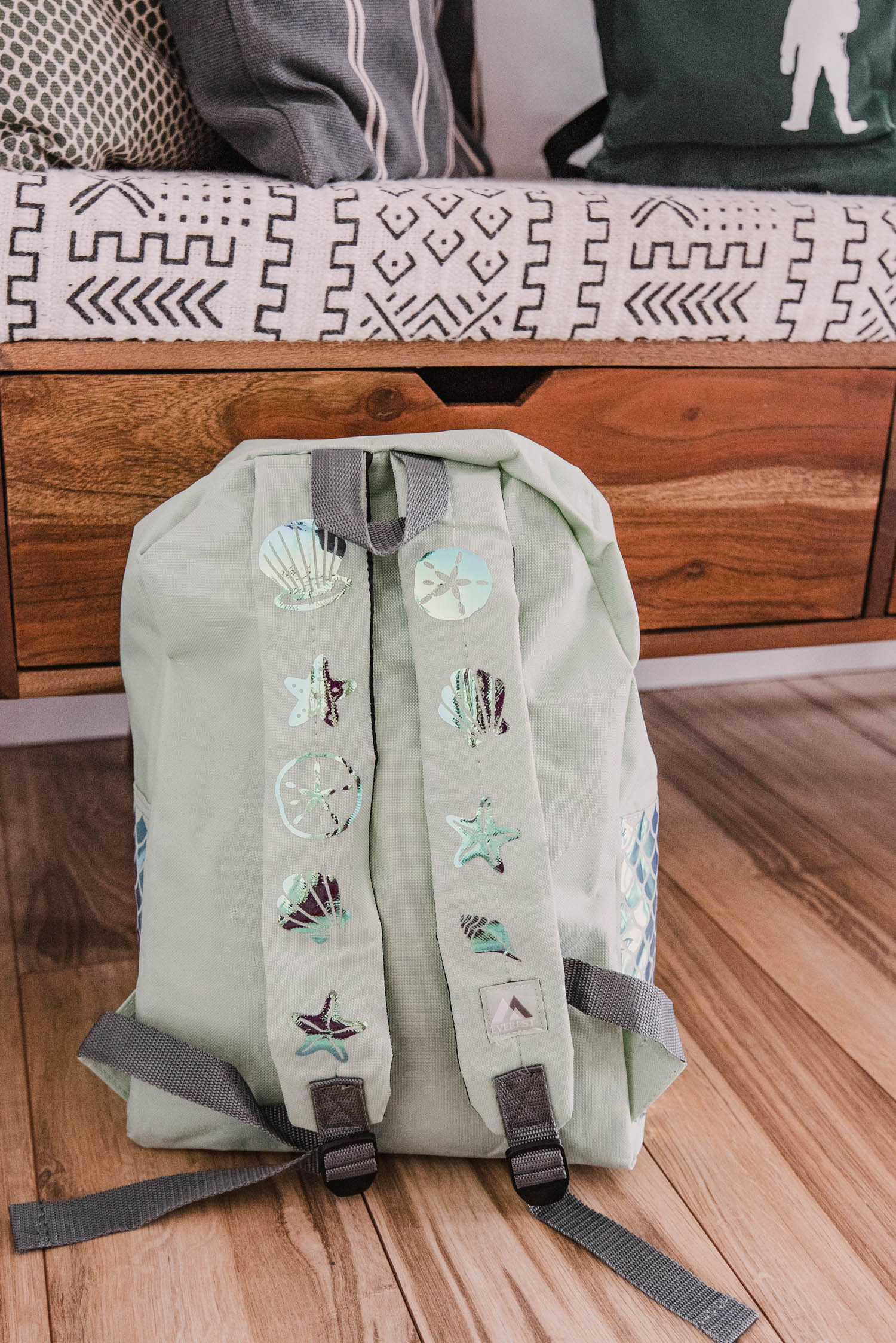 Mermaid themed backpack DIY