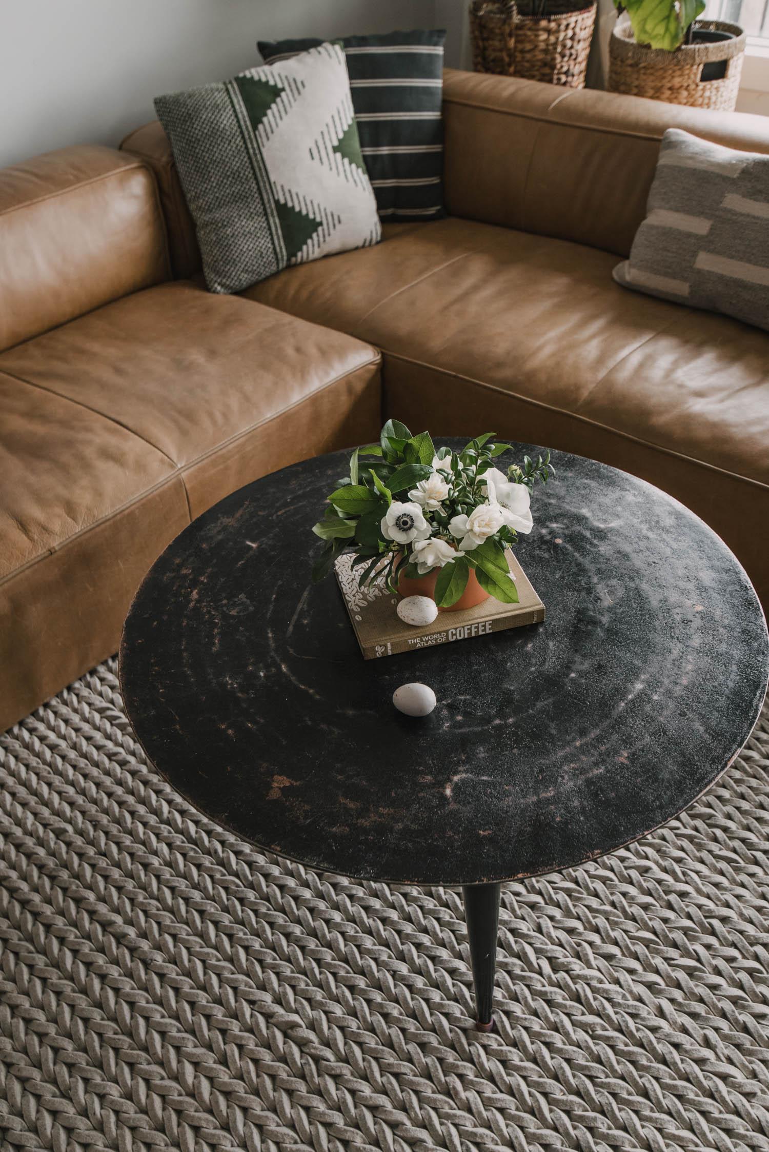 modern Spring floral arrangement