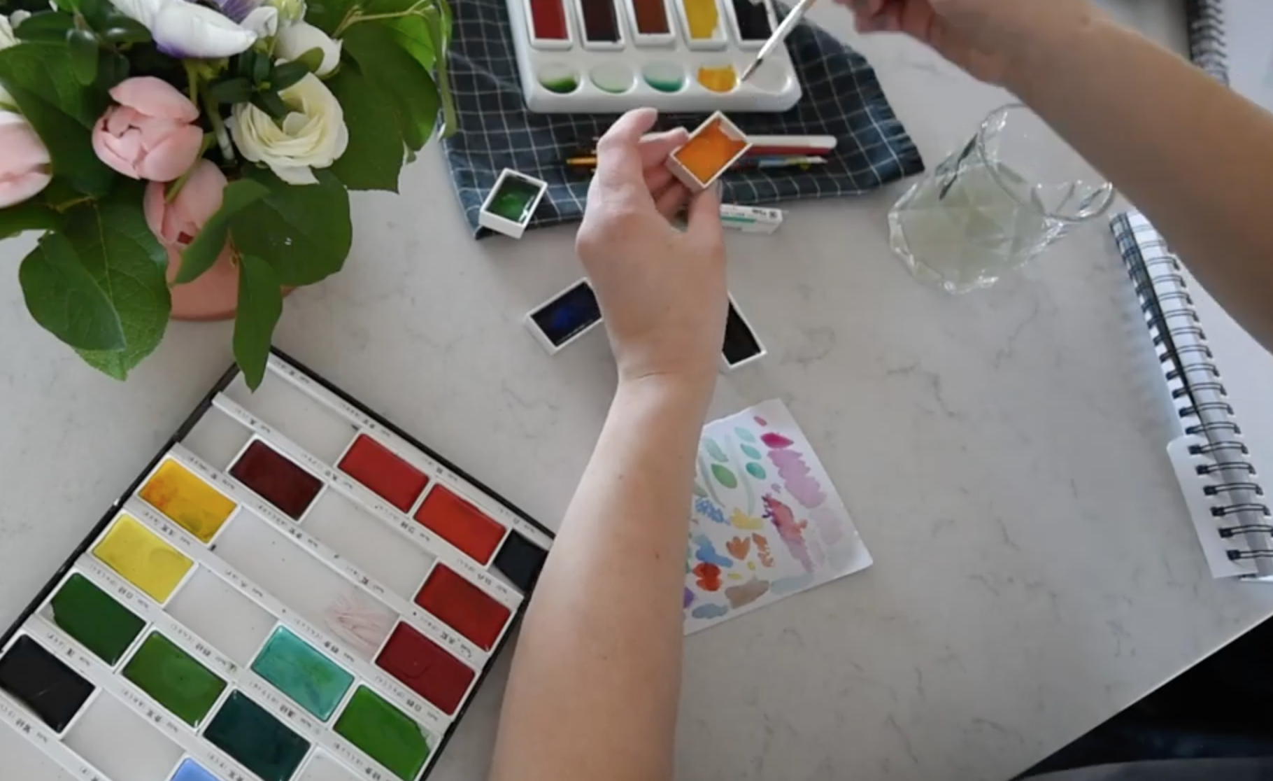 Mixing up solid watercolours