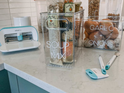 Organize your pantry with DIY labels and clear baskets