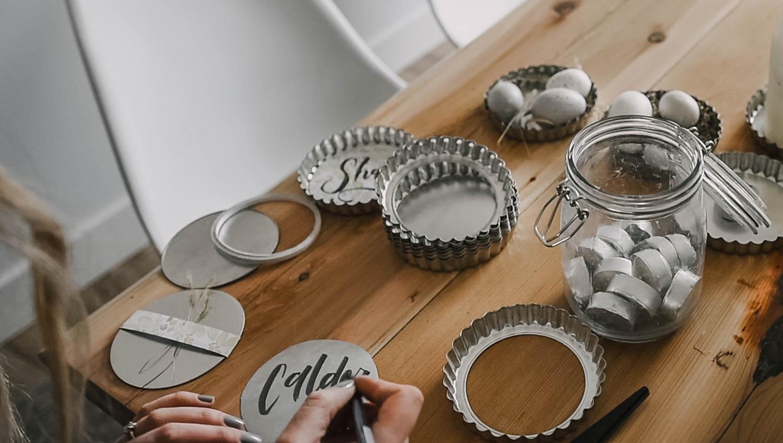 2 Place Card Ideas using Tart Pans