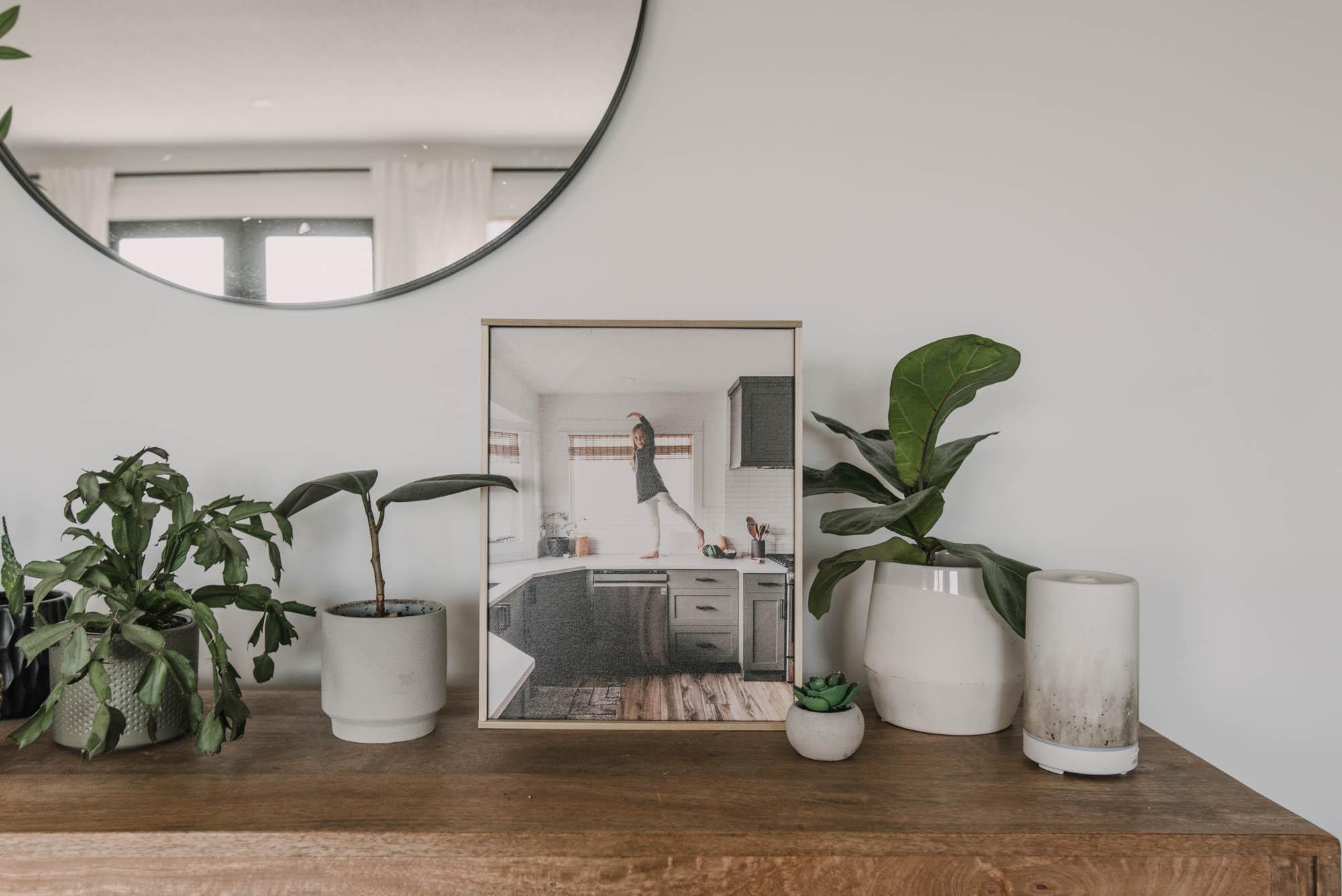 Simple framed canvas DIY