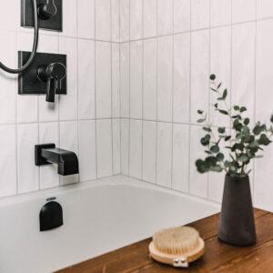 Cozy Modern Bathroom Makeover