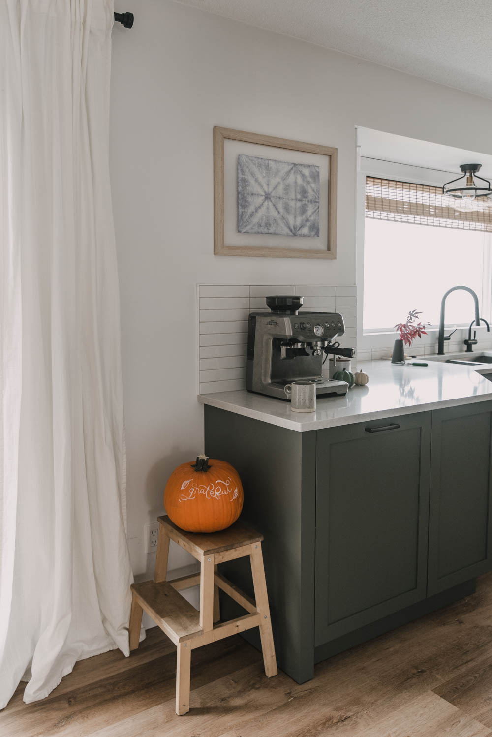 Fall Decor without the clutter