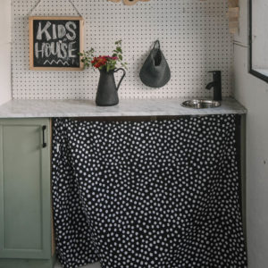DIY Playhouse Kitchen
