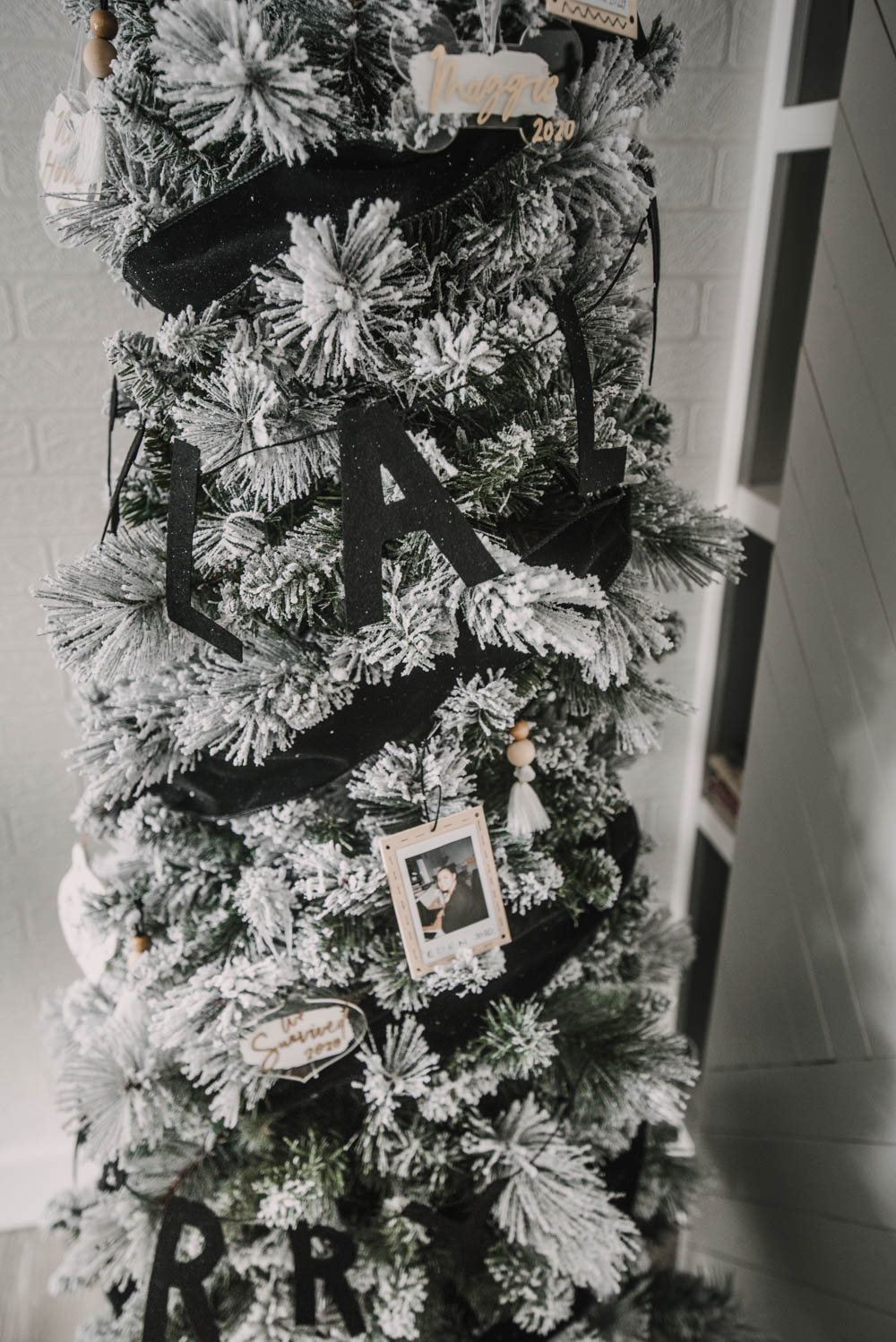 Love all the DIY ornaments on this black and white tree!