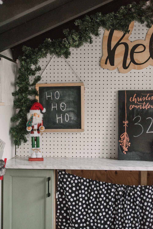 Modern Christmas Playhouse Decorations