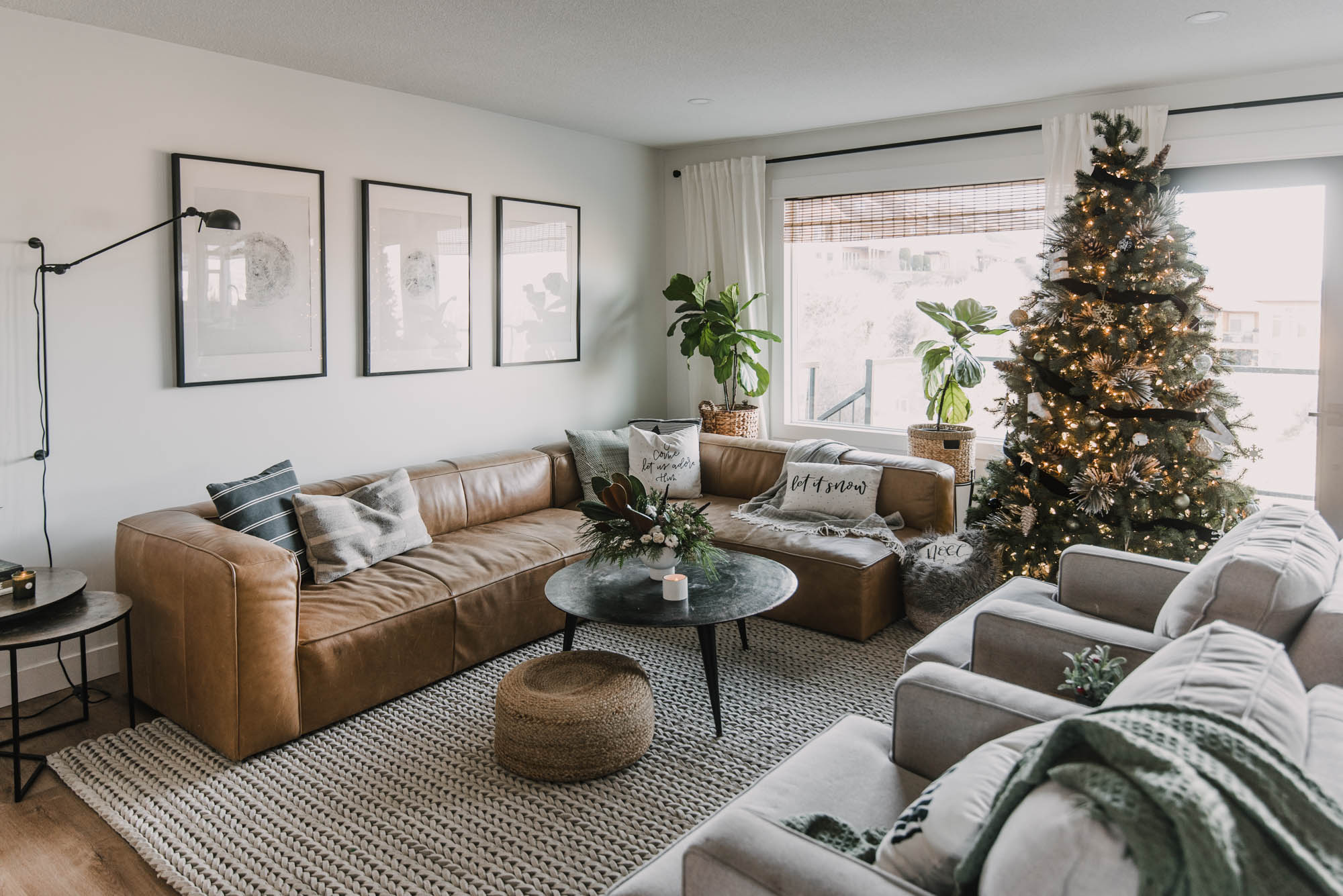 Modern Cozy Holiday Home Tour