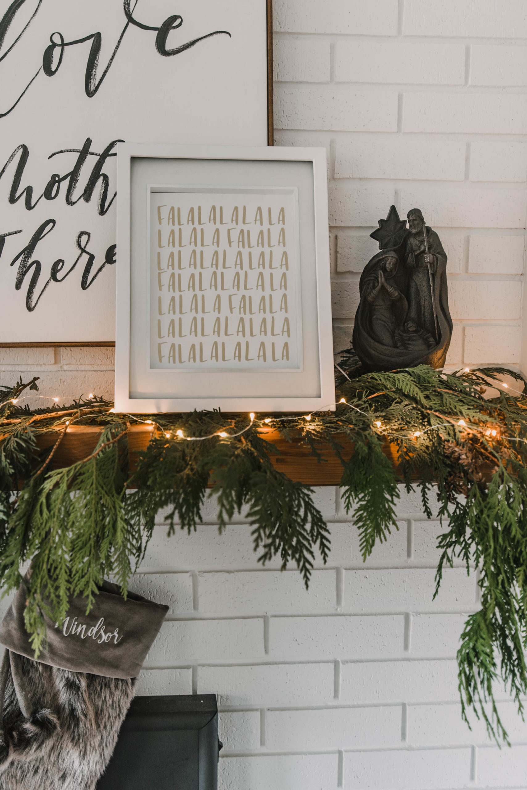 Modern Mantel Decor for the Holidays