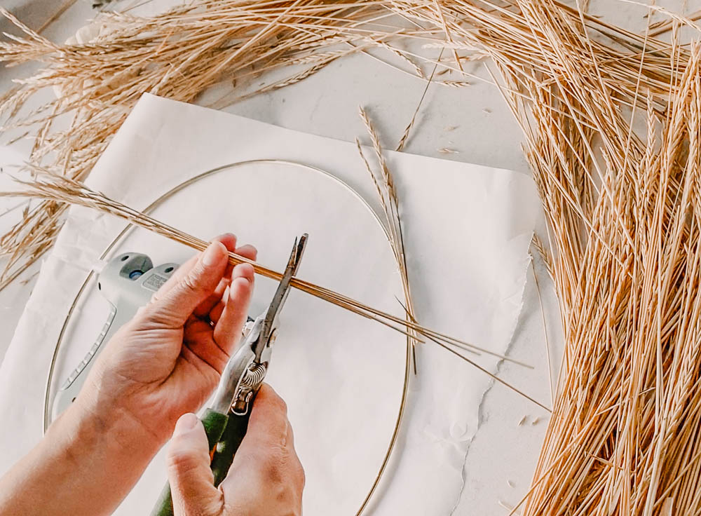 DIY modern wreath for fall using brass hoop and wild grasses