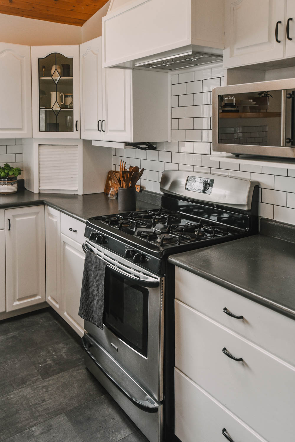 DIY Kitchen Refresh with paint and finishing