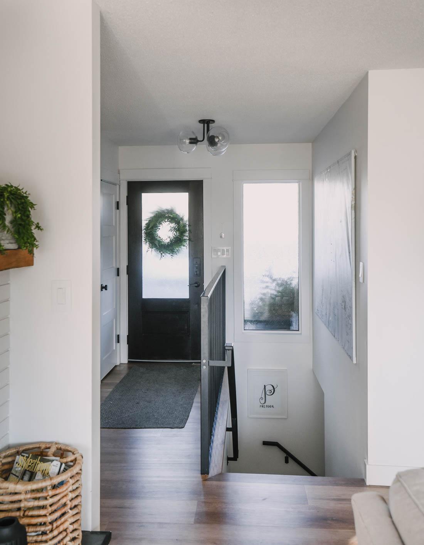 Modern Small Entryway