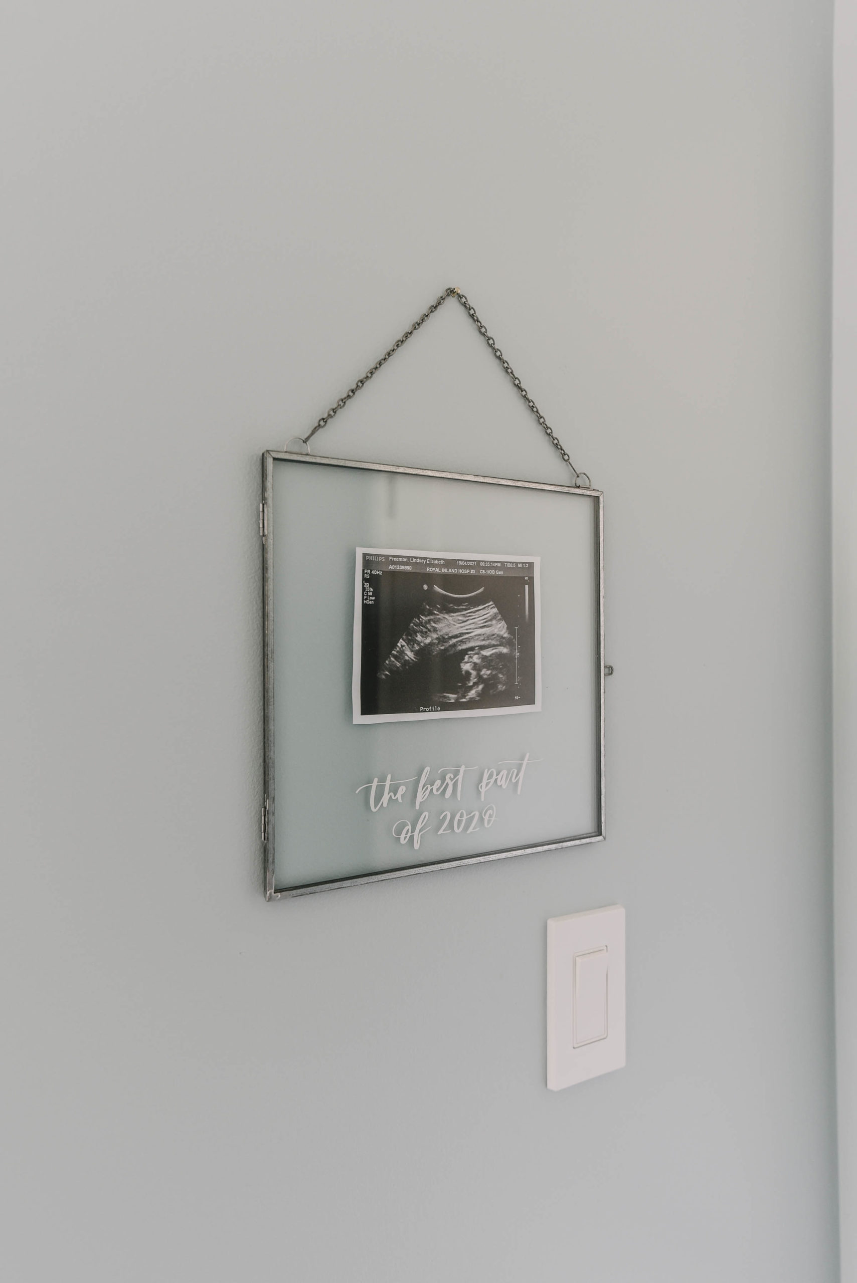 Ultrasound frame with hand lettering