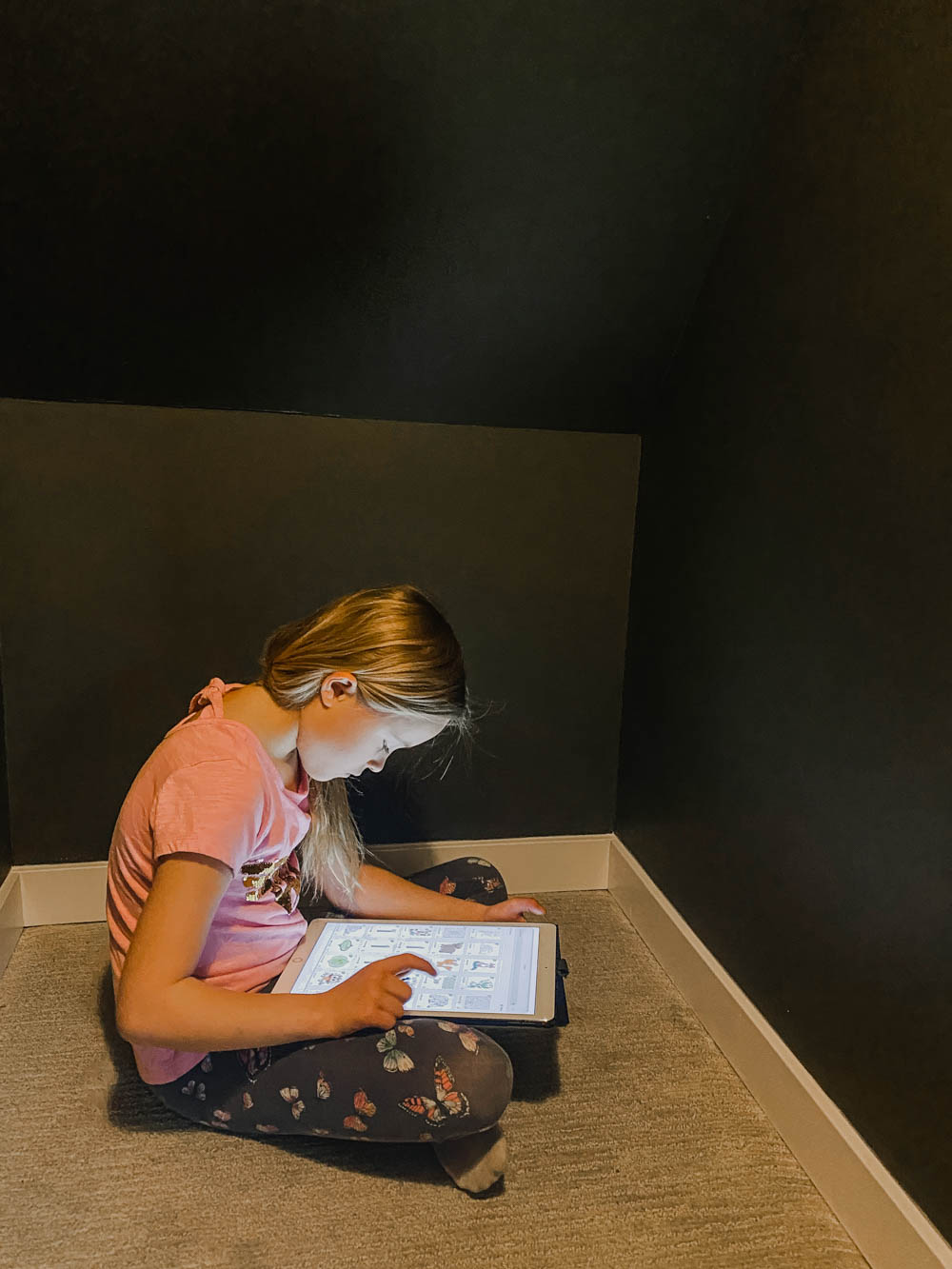 Designing a faux wallpaper with kids