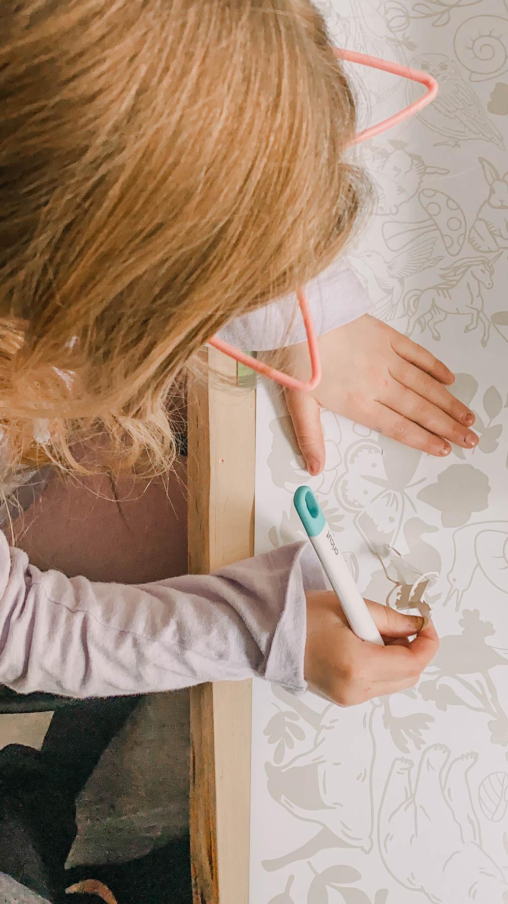 Weeding a kids wallpaper design