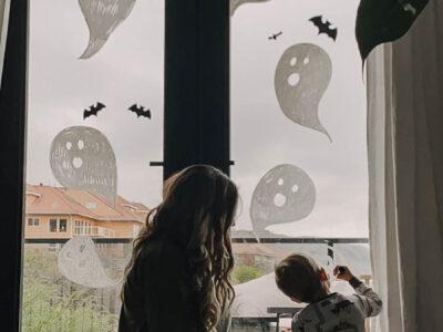 Simple DIY Halloween Window Decor